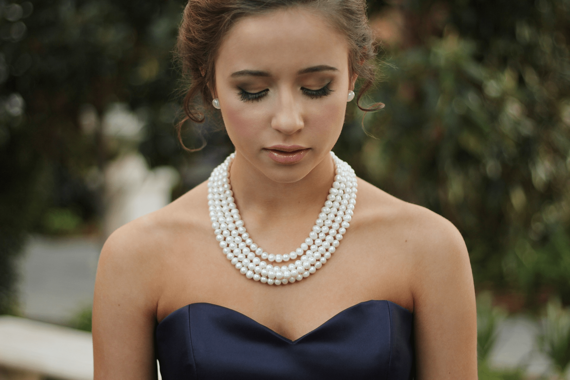 Brug smykker til at fuldende dit outfit!